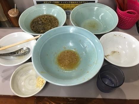 立川マシマシ足利DXマシライス麺と豆腐に変更ともやしサラダ大盛り二つ完食