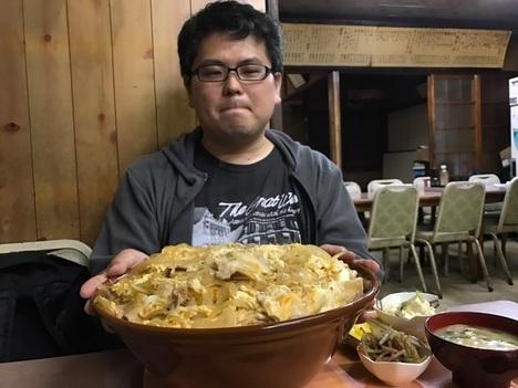 宇都宮デカ盛り藤すり鉢会潤間肉丼特盛り