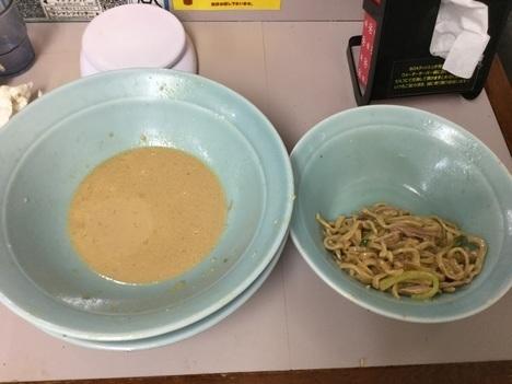 立川マシマシ足利すごい冷やし中華麺マシ4枚と豚マシマシ特注デカ盛り完食間際