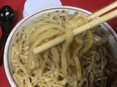 ラーメン二郎新潟店麺リフト