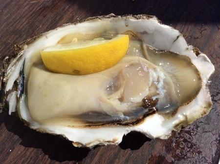 那珂湊ヤマサ水産の生岩牡蠣