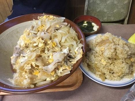 栃木デカ盛り聖地お食事処藤肉丼