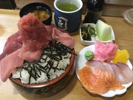 東松山竹寿司大盛り2倍海三色丼別皿