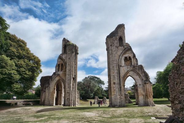 eturn to AVALON, 格拉斯頓伯里修道院, Glastonbury Abbey