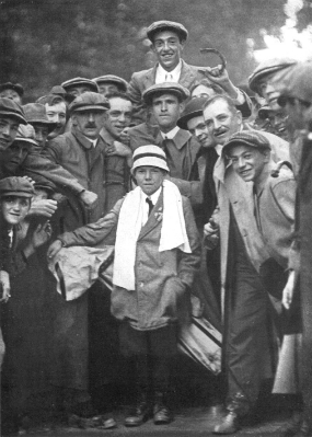Francis Ouimet (carried) & Eddie Lowery (with towel), 1913.