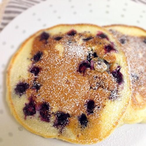 ブルーベリーとクリームチーズのパンケーキ