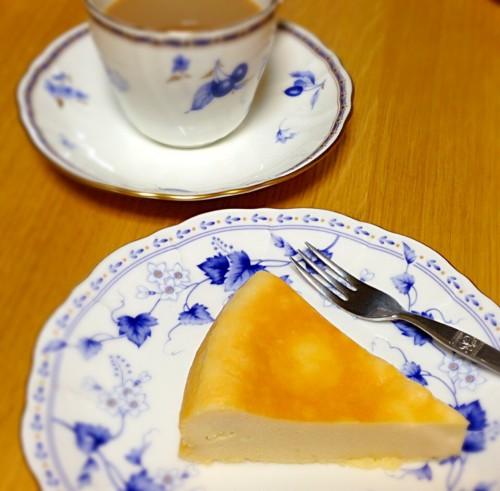 炊飯器でチーズケーキ(お茶と一緒に)