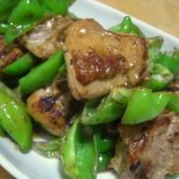 鶏肉と万願寺とうがらしの七味マヨ炒め