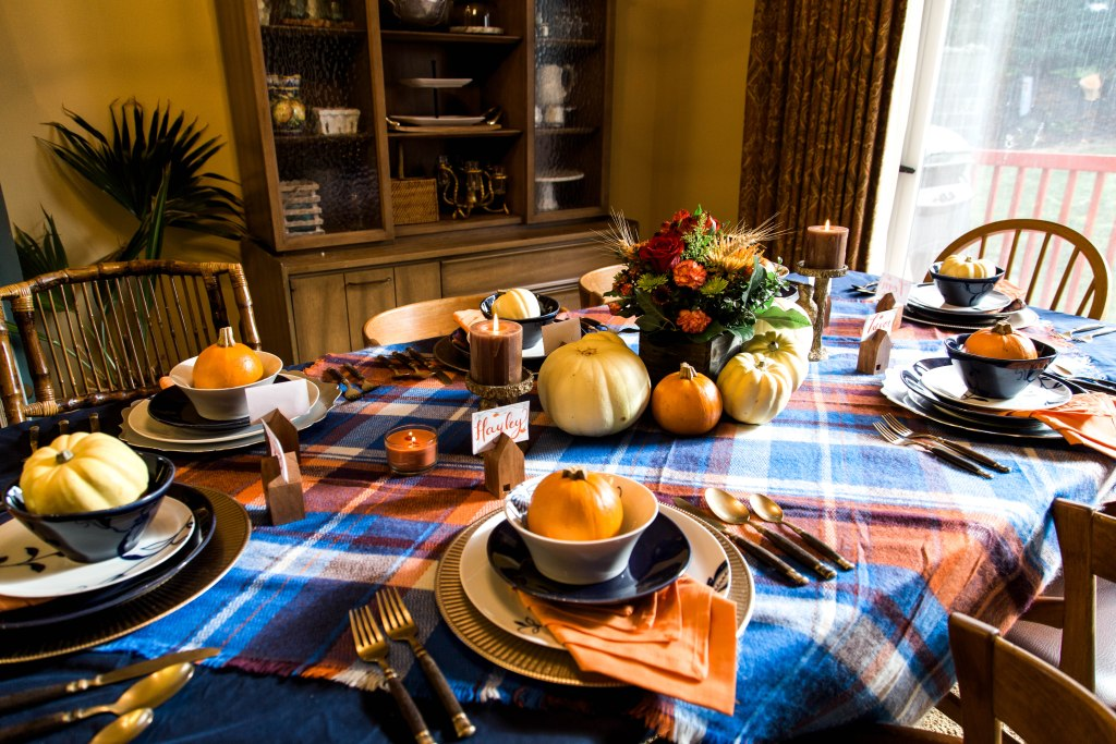 thanksgiving tablescape, thanksgiving decor, thanksgiving rustic table, thanksgiving table, blue and orange thanksgiving, fall tablescape, fall table. fall decorations