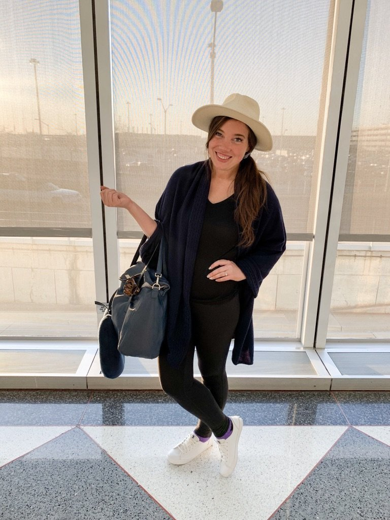 vacation outfits, comfy plane travel outfit