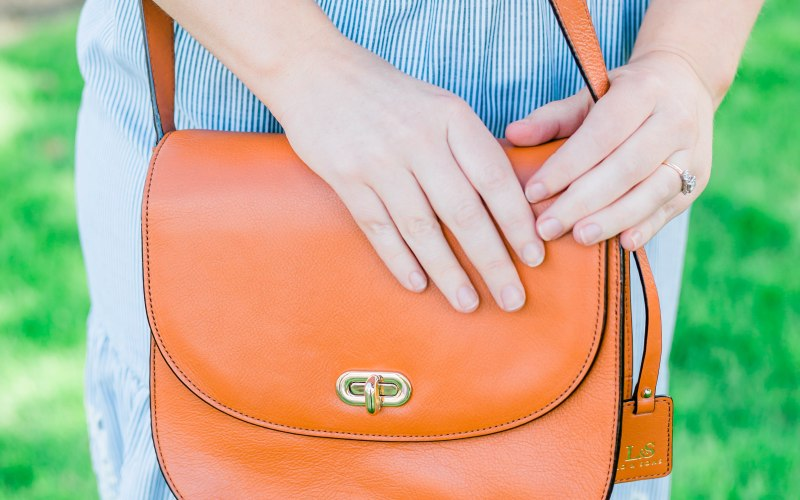 Best Travel Camera Bag for Women | Lo & Sons Review