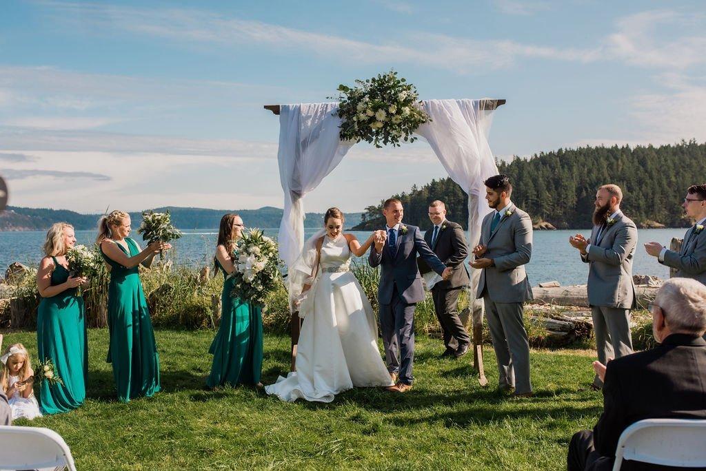outdoor wedding ceremony in Anacortes Washington Pacific Northwest summer wedding couple