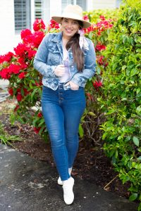 denim on denim Canadian tuxedo outfit that is cute! with hat and hair scarf