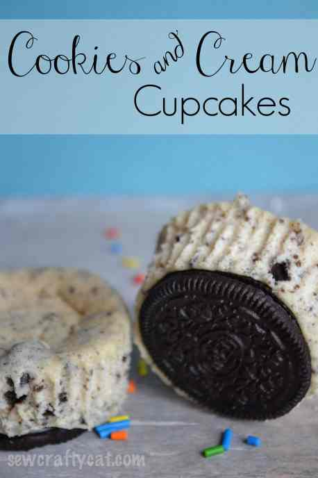 With a few simple ingredients, make these Oreo Cheesecake Cupcakes!