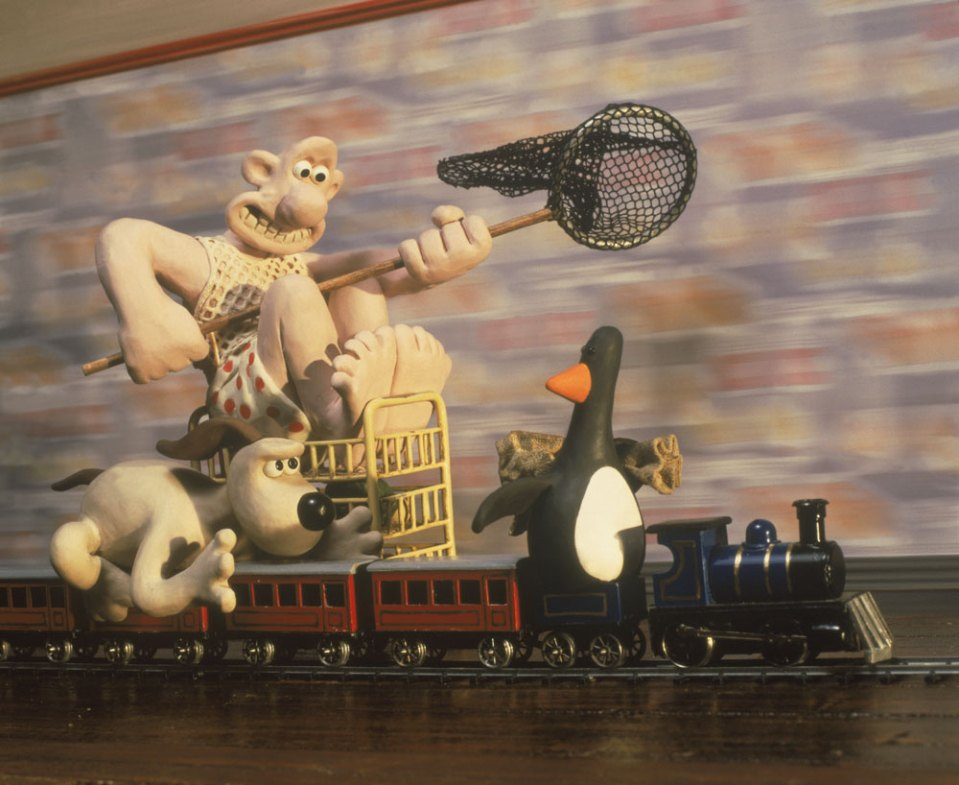 """Wallace & Gromit chasing the penguin in """"The Wrong Trousers"""""""