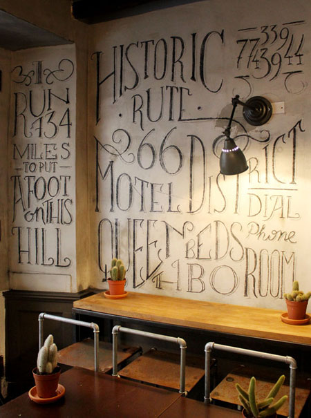 Gorgeous chalk lettering and mural typography by tommaso for Mural lettering