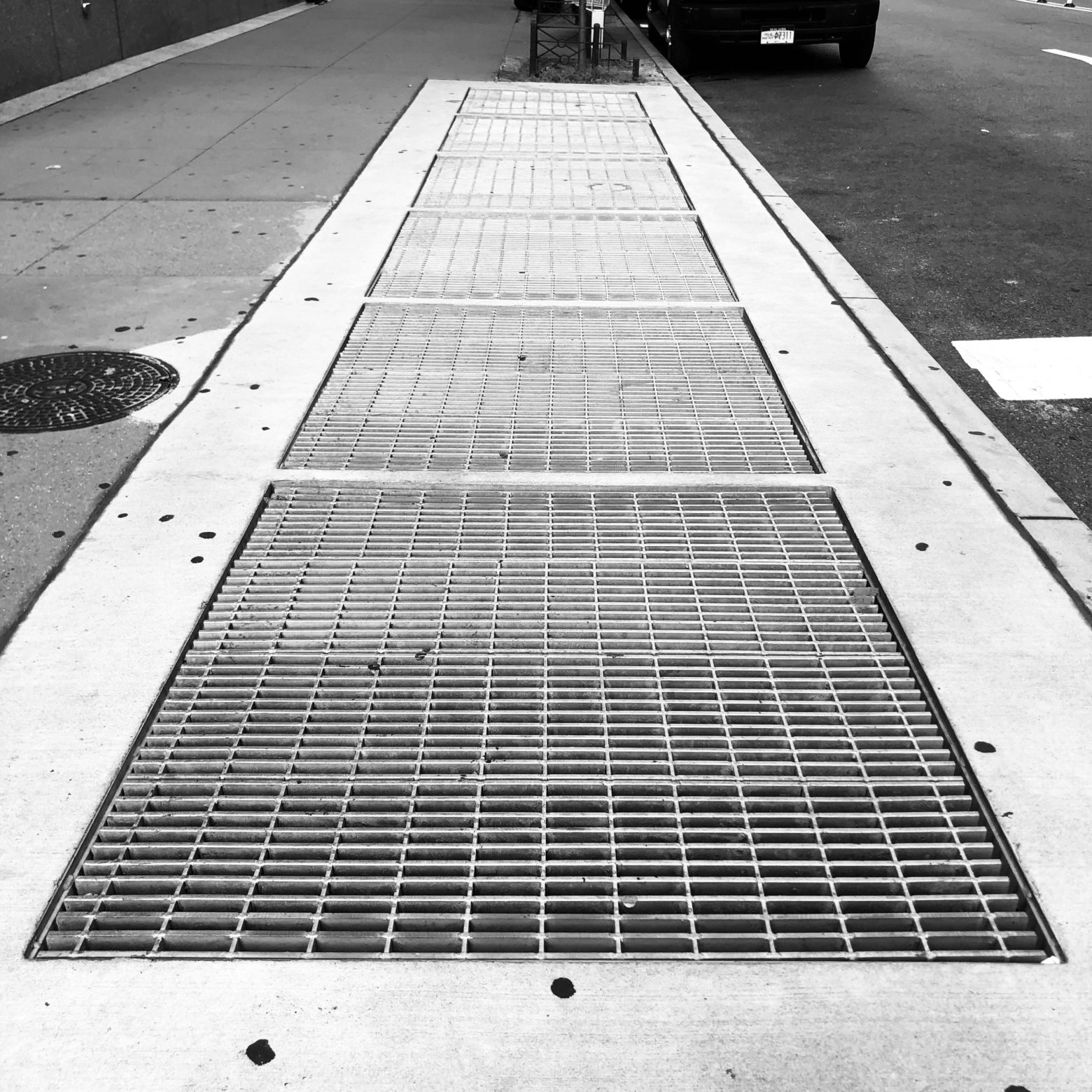 MTA sidewalk grate