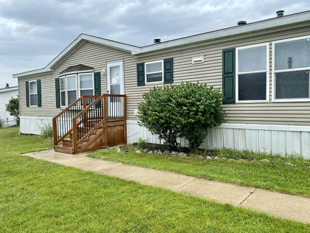 purchase a manufactured home in Fenton