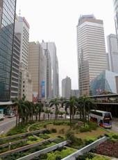Hong_Kong_street_and_park