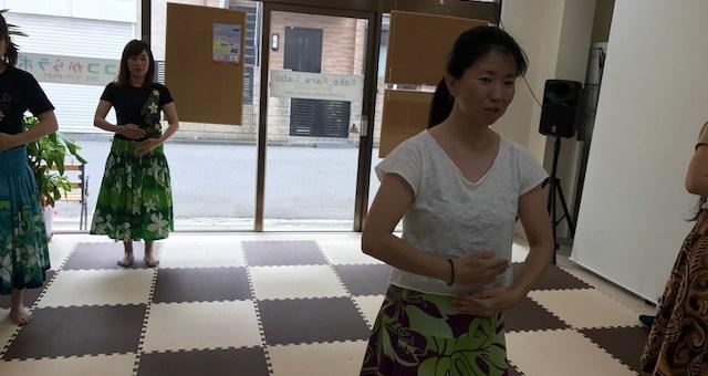 中級フラダンス