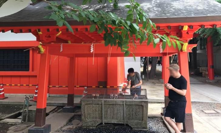 新宿 歌舞伎町 花園神社 手水舎