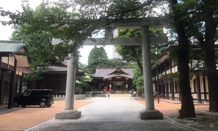 西新宿 十二社熊野神社 入り口