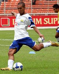 Satoshi Otomo - Persib Bandung (GOAL.com / Hermansyah)