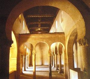 Interior de San Miguel de Escalada (León) S.X