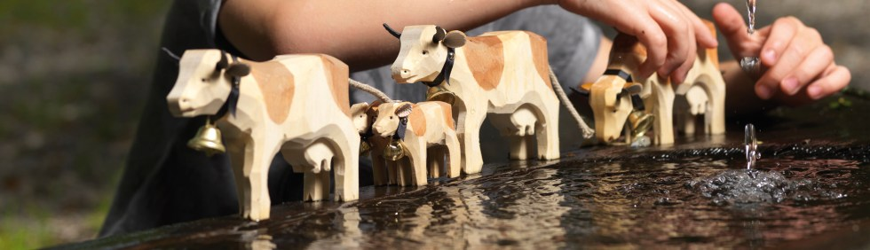 promotional cows - Trauffer Holzspielwaren AG