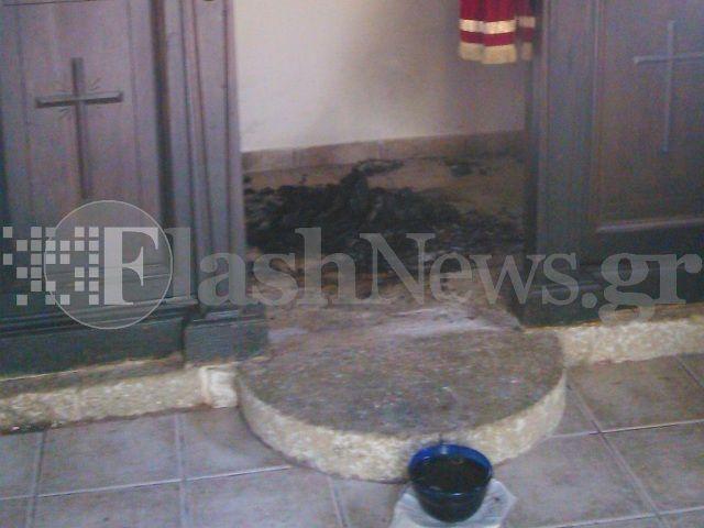 Ηράκλειο: Έγραψαν αραβικά συνθήματα και έκαψαν τις εικόνες στο Ιερό της εκκλησίας