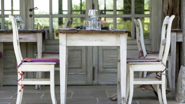 la table du lavoir la terrasse