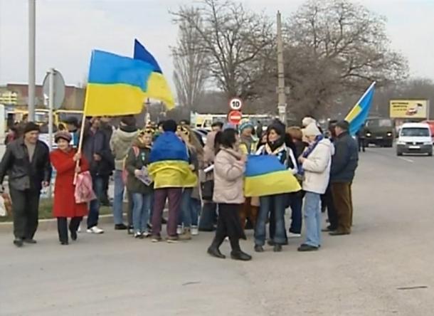 Дуже багато жителів Криму намагаються знову стати громадянами України