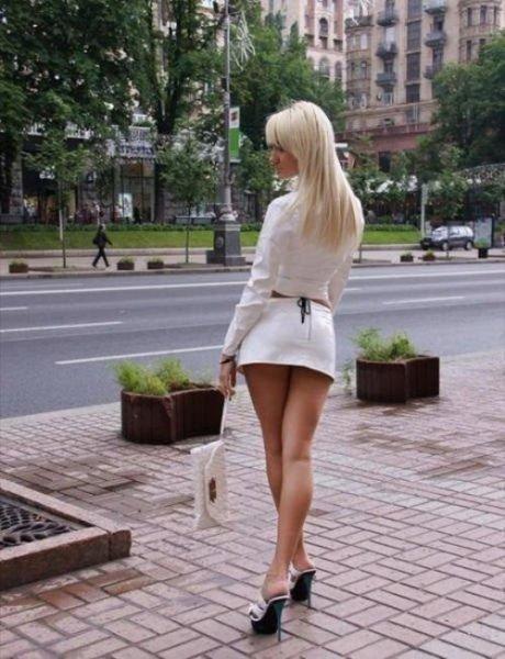 Соблазнительные девушки на улице, которые заставят ...
