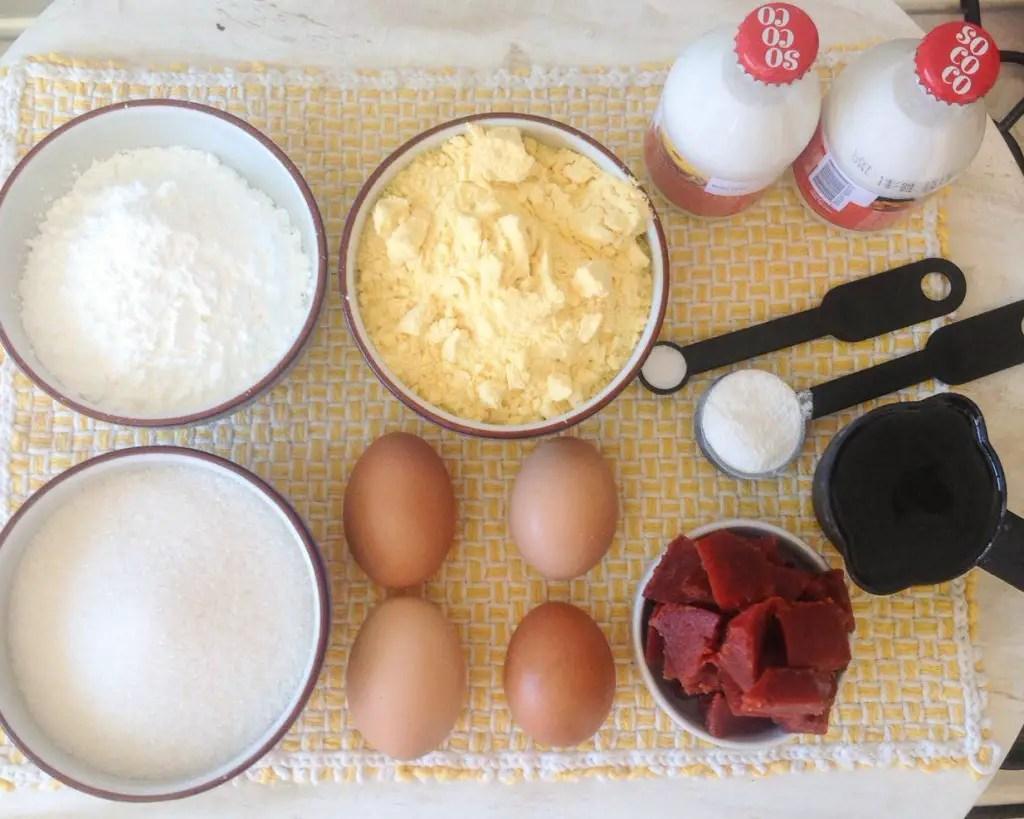 Que tal algumas dicas na hora de substituir ingredientes quando for adaptar uma receita para que ela seja sem lactose ou glúten ou os dois? Melhor ainda se as dicas vem acompanhadas de uma receita delícia de bolo de fubá pro mês de junho!