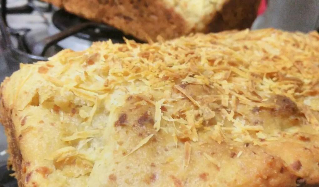 Receita de pão de forma fácil e que pode ser adaptada para vários sabores. E o melhor, não precisa sovar a massa!