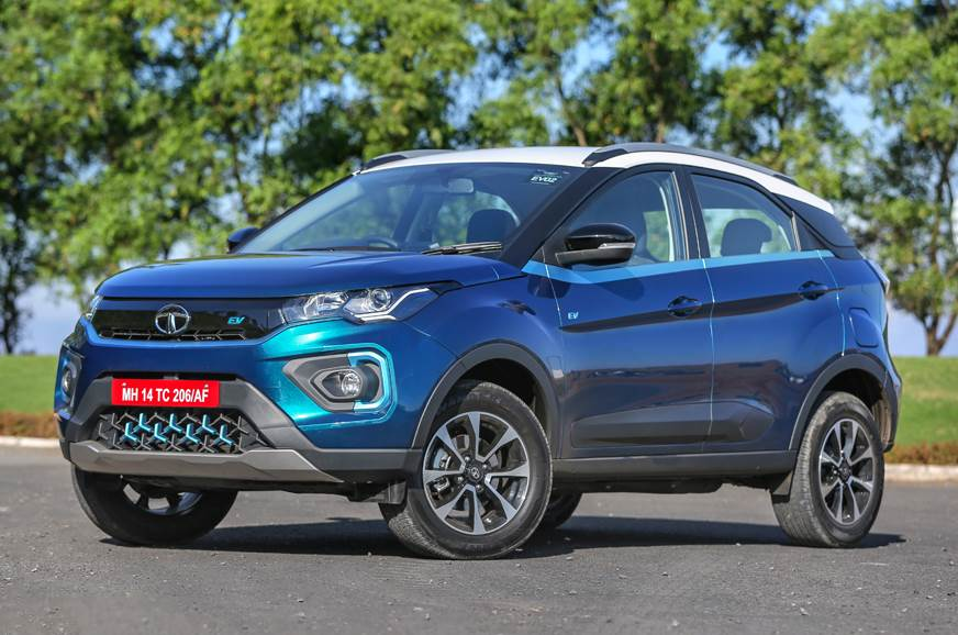 Hyundai i20 receives the coveted 'Indian Car of the Year Award 2021' Royal Enfield Meteor 350 bags the 'Indian Motorcycle of the Year Award 2021 Tata Nexon EV received the 'Green Car Award 2021 by ICOTY' Land Rover Defender won the Premium Car Award 2021