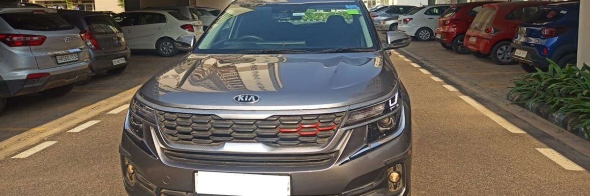 If you are planning to buy any of KIA car then the following article is just for you. In this, I am sharing my experience with KIA Seltos after driving it for more than 16000Kms and using it for 1.5 Years.