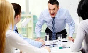 kebiasaan-buruk-pebisnis-di-kantor