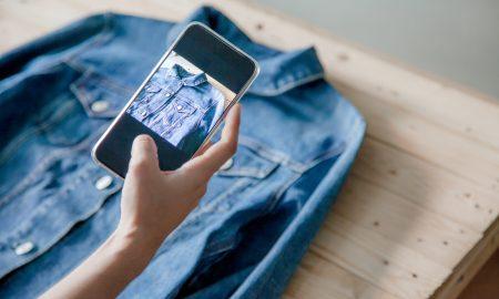 foto-produk-toko-online-dengan smartphone
