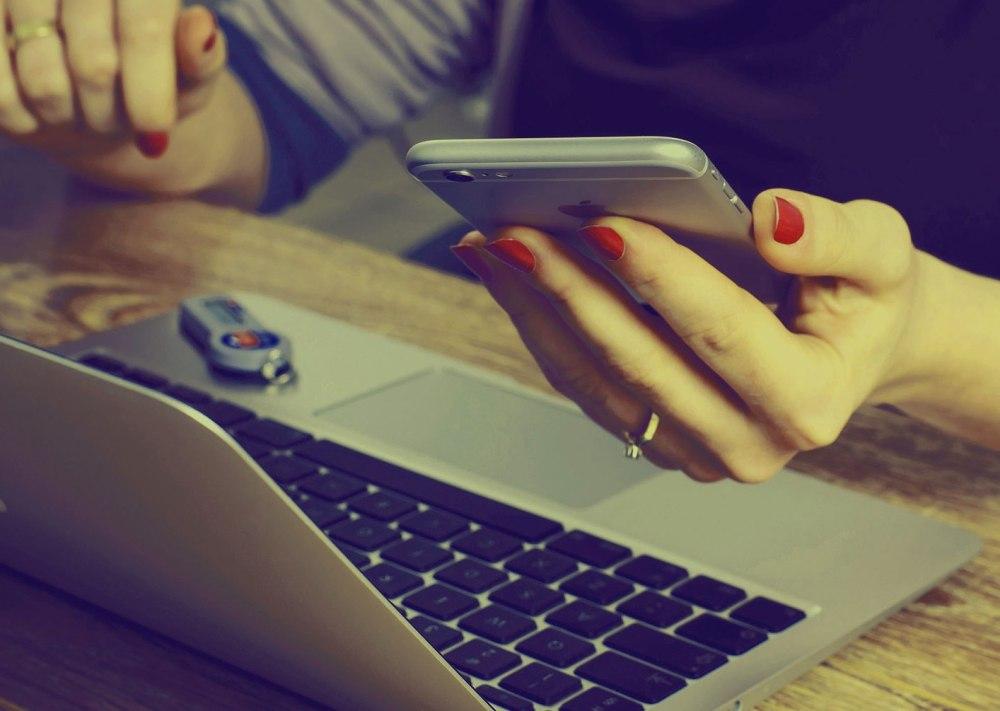 bekerja tanpa gangguan smartphone