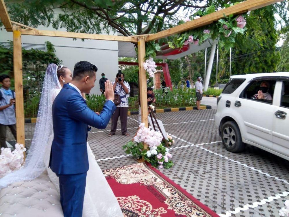 wedding-drive-thru