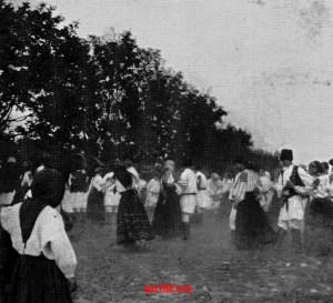 Селяни, що танцюють. Фото з архіву Казимира Малевича
