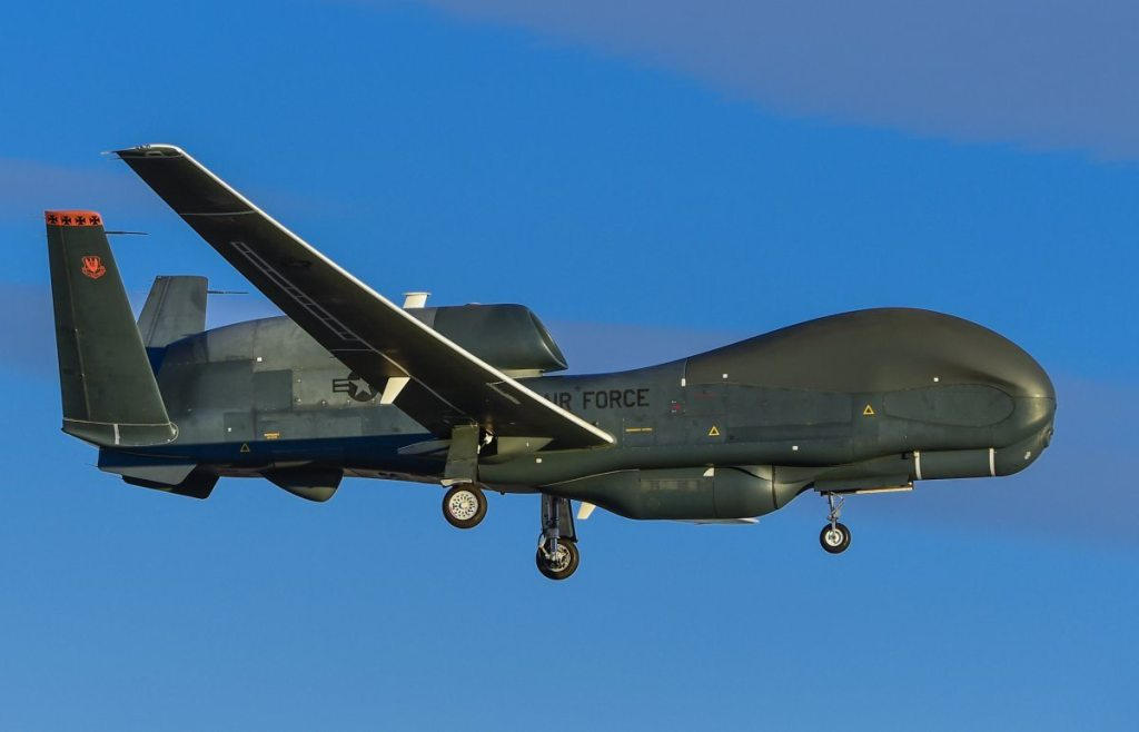 Global-Hawk-Landing