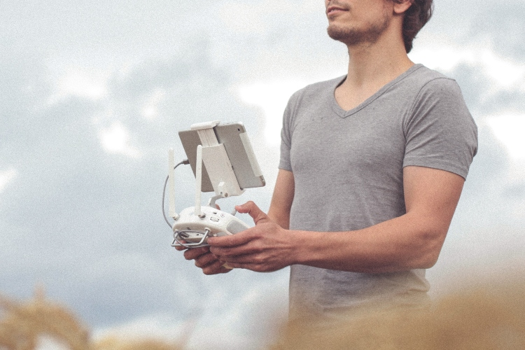 flying-drones-commercially