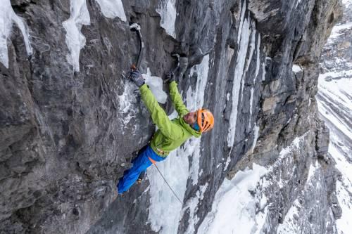 Un Alpiniste Ouvre Une Nouvelle Voie De Mixte Dans Un Secteur Perdu De La Ghost Valley, Alberta