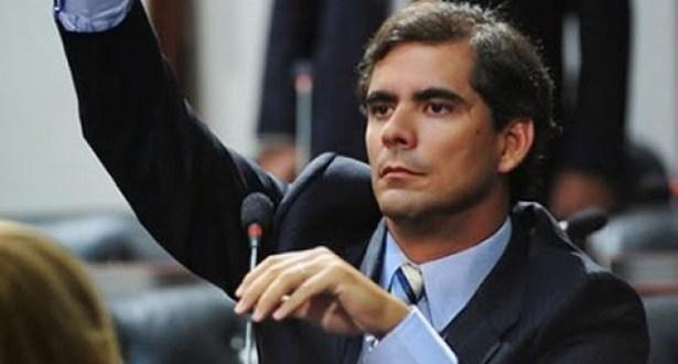Chapa antipetista: Deputado Leur Jr. é cotado para ser vice de Paulo Souto
