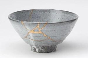 Kintsugi pottery/Wikipedia