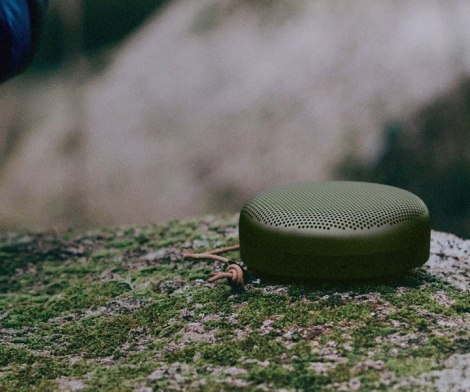 Bang & Olufsen Beoplay A1 Portable Speaker