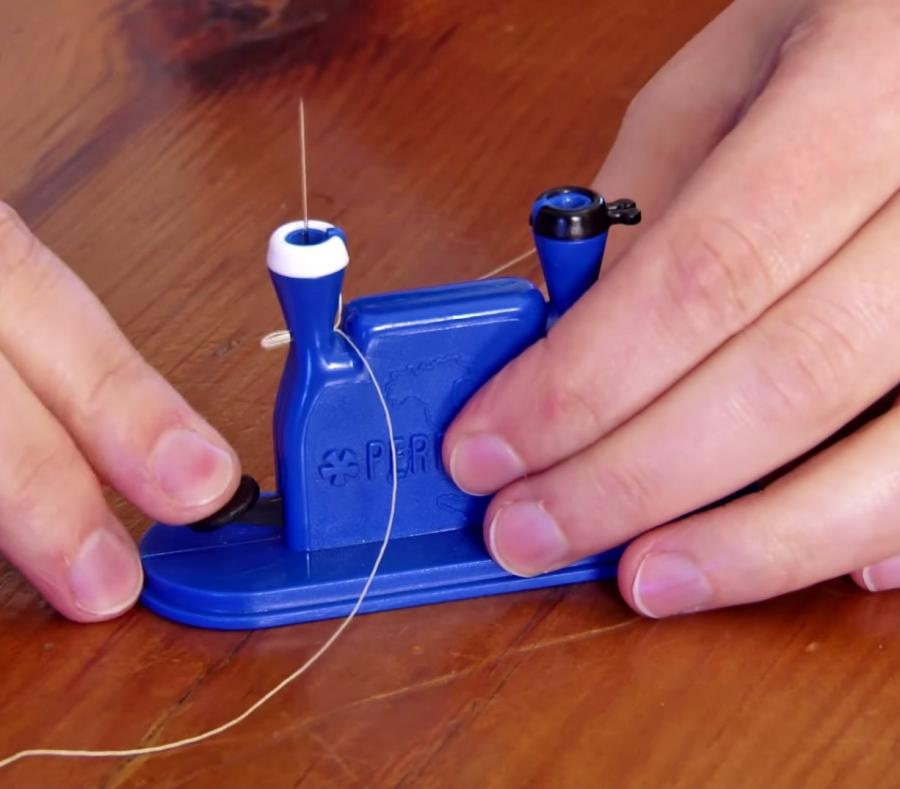 This Device Automatically Threads Your Sewing Needle