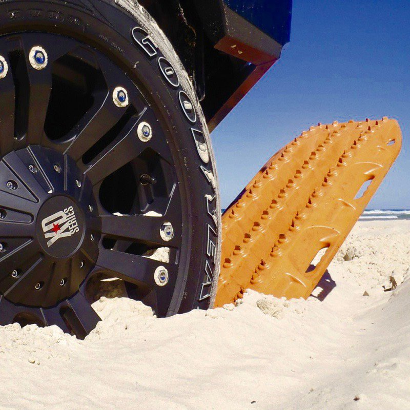 Off-Road Mud & Snow Vehicle Extraction Traction Mats
